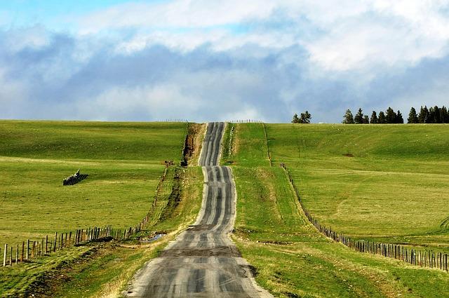 long-road-478155_640 (2)