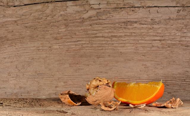 walnut-571253_640