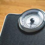体重を測定すると「こだわり」が強くなるVS「こだわり」が強いから体重測定!?